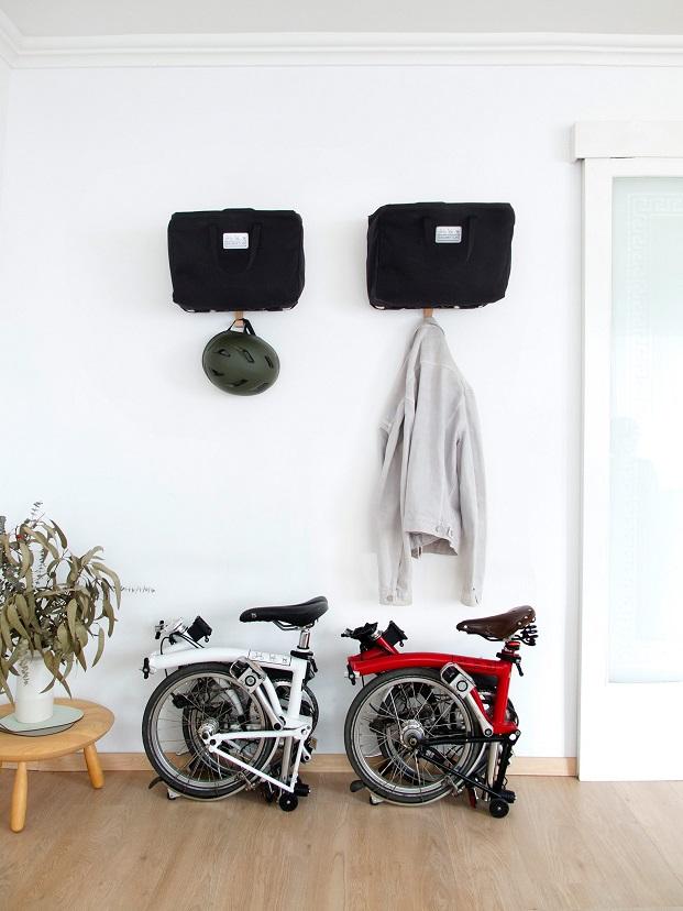 colgador bicicletas o cascos de amor de madre