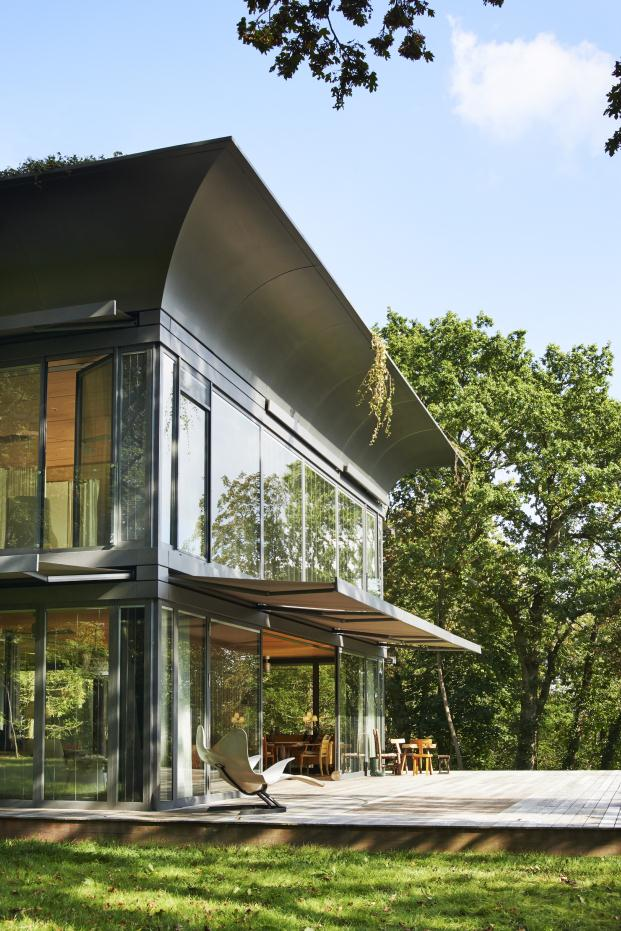PHILIPPE-STARCK-RIKO-P.A.T.H.-Prefabricated-Accessible-Technological-Homes (8)