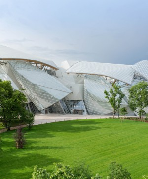 The foundation Louis Vuitton apertura