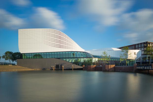 UN-ESTUDIO-ARUP-De-Stoep-Theatre-Spijkenisse-Jan-Paul-Mioulet (2) (621x200)