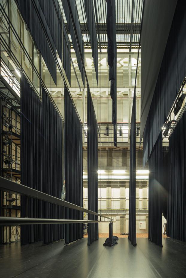UN-ESTUDIO-ARUP-De-Stoep-Theatre-Spijkenisse-Jan-Paul-Mioulet (9) (621x200)