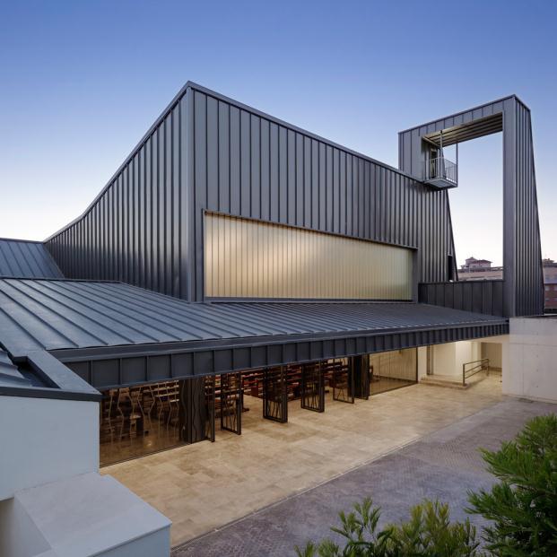 world architecture festival 2014 iglesia del Centro Parroquial La ascensión del Señor