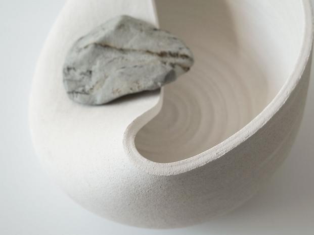 6 jarrones con piedras azua