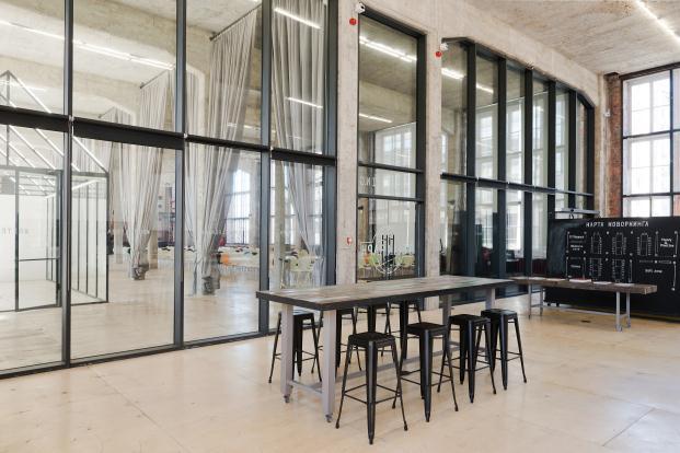 oficinas dream industries de archiproba en la sede central de telegrafos de moscu cerramientos de vidrio diariodesign