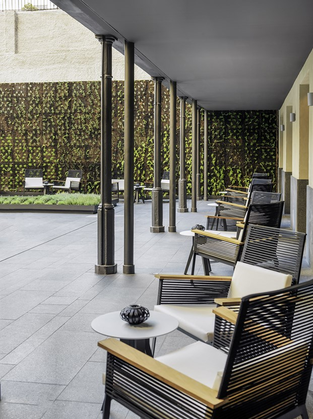 H10 Urquinaona Plaza de GCA Arquitectes 12 (Copiar)