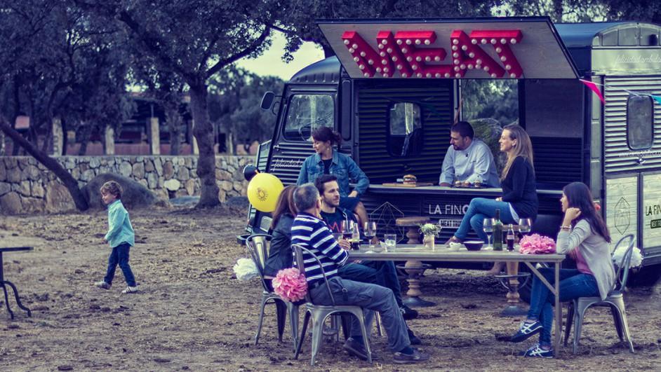 La Finca-de-Jimenez-Barbero-Meat-Truck (1520x621)