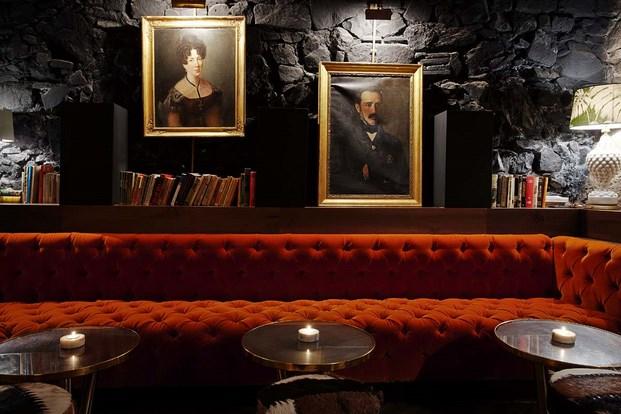 Restaurante Palosanto de Bonbastudio y Derby Hotels Collection 11 (Copiar)