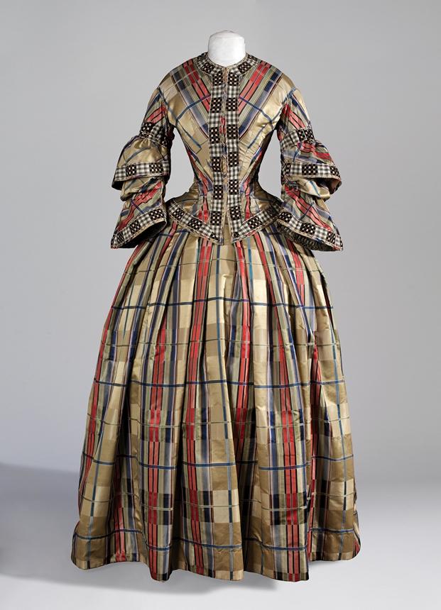 MDisseny_Expo El cos vestit_vestit 1850