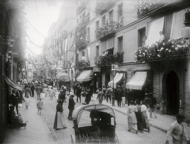 Antonio Matarranz, 1915. Fiesta Mayor. Barrio de Gracia. © Antonio Matarranz y Colección Institut D'estudis Fotogràfics De Catalunya (IEFC)
