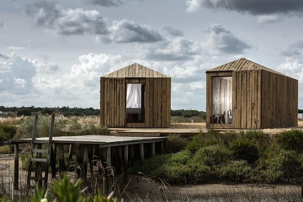 4 cabins taschen Aires Mateus, Cabanas no Rio Huts