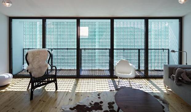 Casa-no-Principe-Real-Camarim-Arquitectos-Premios-ASCER-Nelson-Garrido (13)