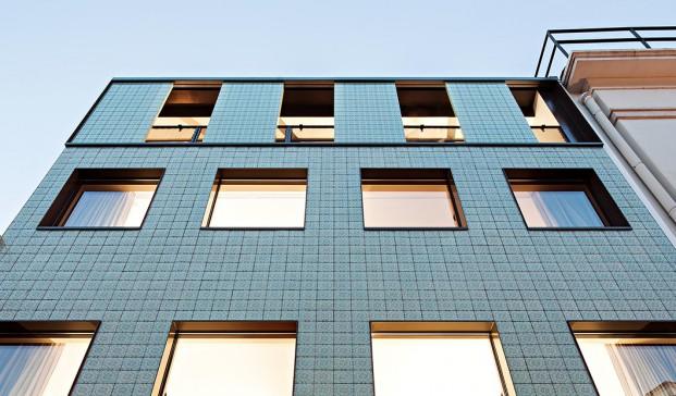 Casa-no-Principe-Real-Camarim-Arquitectos-Premios-ASCER-Nelson-Garrido (1520x621)