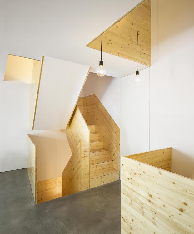 Casa-no-Principe-Real-Camarim-Arquitectos-Premios-ASCER-Nelson-Garrido (16)