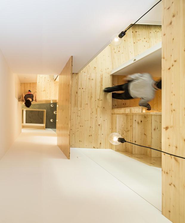Casa-no-Principe-Real-Camarim-Arquitectos-Premios-ASCER-Nelson-Garrido (21)