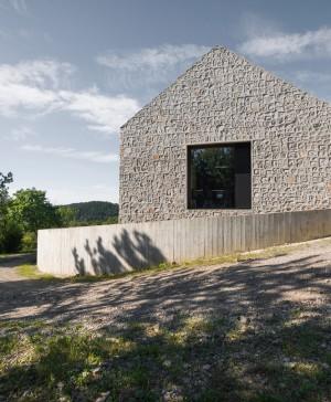 Karst House 01