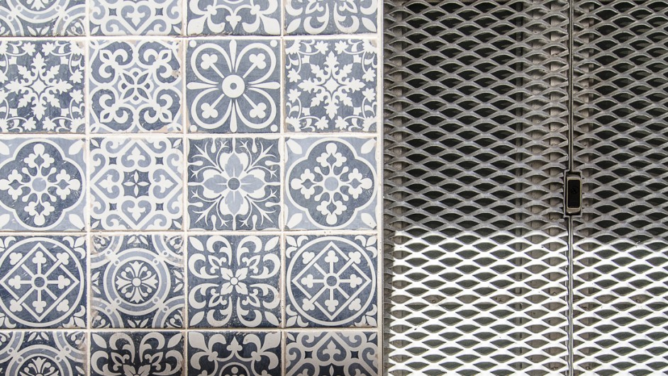 ROCAMORA-ARQUITECTURA-CASA-EL-ENROQUE-ALICANTE-PREMIOS-ASCER-CABRALUENGO (1520X621)