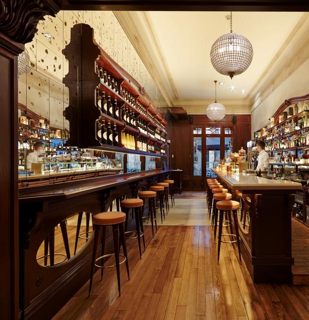 Restaurante re la barcelona orgullosa de su pasado for Modelos de barras para bar