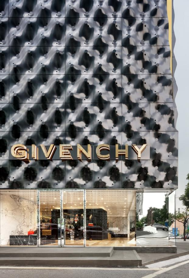 Givenchy piuarch boutique Seoul South Korea Shin Kyungsub diariodesign