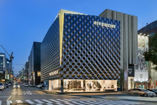 Givenchy piuarch boutique Seoul South Korea diariodesign
