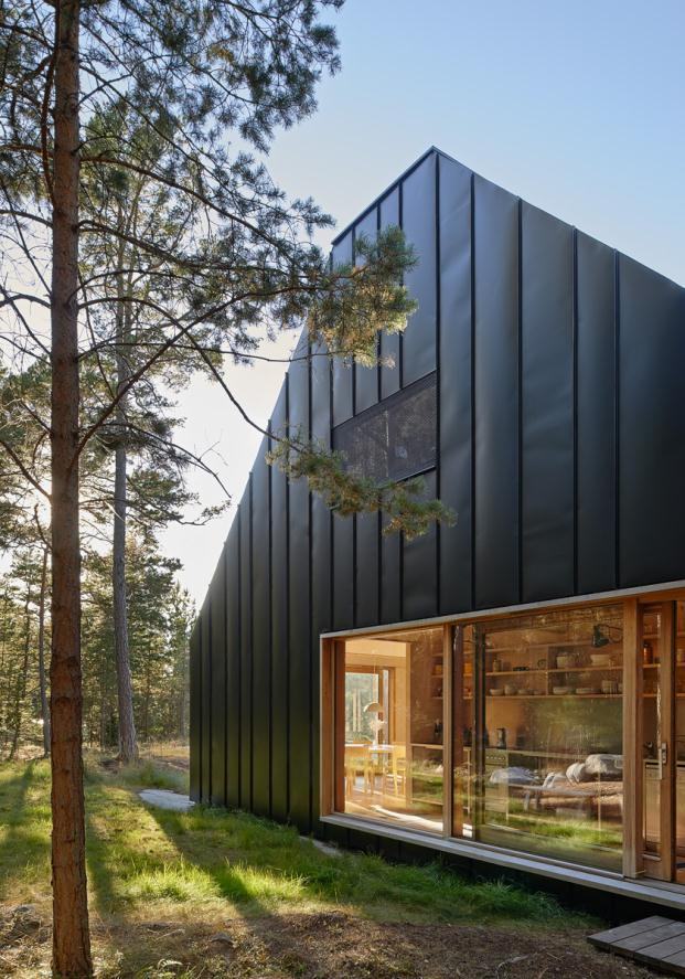 House-Husaro-Tham-and-Videgard-Arkitekter-Lindman-Photography-Stockholm-Sweden (5)