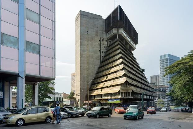 La Pyramide, Abidjan, Costa de Marfil. Rinaldo Olivieri, 1973. © Iwan Baan