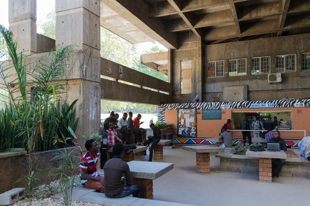 Universidad de Zambia, Lusaka. Julian Elliott, 1965-1970. © Iwan Baan