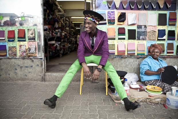 Chris Saunders, Lethabo Tsatsinyane fotografiado para Dazed Magazine
