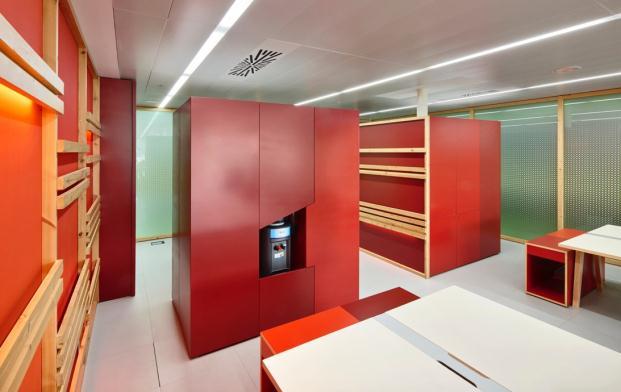 OFICINA-MEDIATIC-Tomas-Lopez-DESIGN-Workshop-BARCELONA (13)