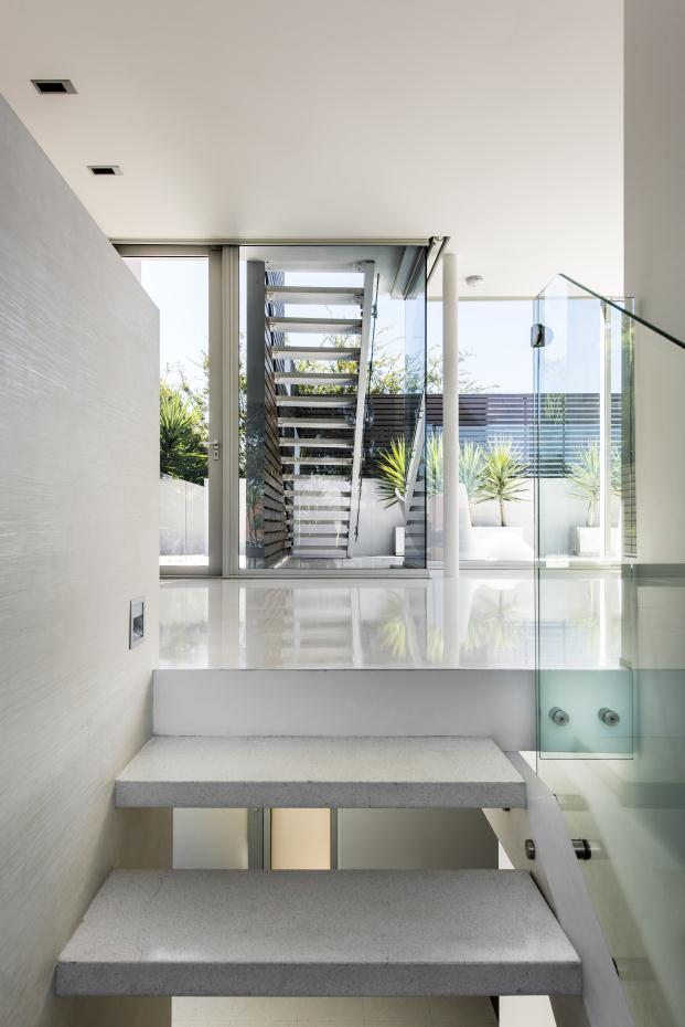 mobilia-22-QUEENSLEA-DRIVE-Claremont-Perth-Australia-Michael-Patroni-Architect-Salvatore-Fazzari (3)