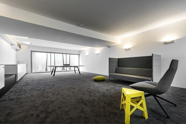 Casa en Perth Australia con mobiliario español (1)