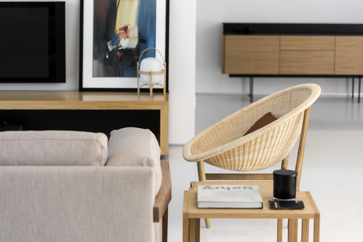 Mobiliario de firma espa ola en una casa minimal en perth - Mobiliario de casa ...