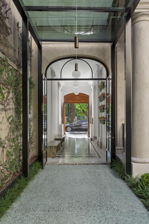Casa_Cavia_hallway (1)
