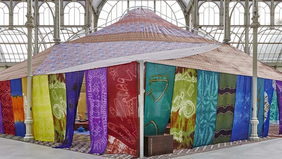 Museo-Reina-Sofia-Palacio-de-Cristal-del-Parque-del-Retir-Tuiza-Las-culturas-de-la-jaima-1520x6211