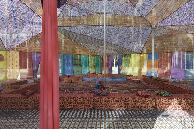 Museo-Reina-Sofia-Palacio-de-Cristal-del-Parque-del-Retir-Tuiza-Las-culturas-de-la-jaima (8)