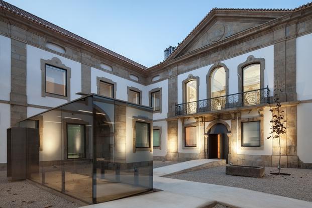 casa da cultura de pinhel por depA fad arquitectura