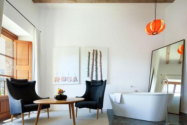 baño en hotel Son Brull arquitectura mediterránea
