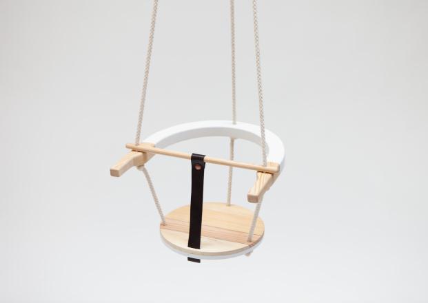 D-Espacio-CentroCentro-Cibeles-3-EN-UNO-Diseñadores-productores-emprendedores-Ciszak-Dalmas-Columpio-Swing (1)