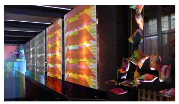 D-Espacio-CentroCentro-Cibeles-3-EN-UNO-Diseñadores-productores-emprendedores-Cristian-Zuzunaga-Cojines-Pixel