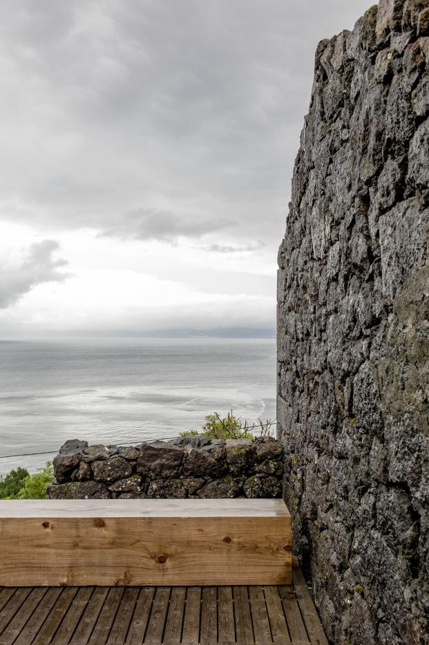 FAD-2015-CASA-EC-SAMI-ARQUITECTOS-Pico-Island-Azores-Portugal-Paulo-Catrica (1)