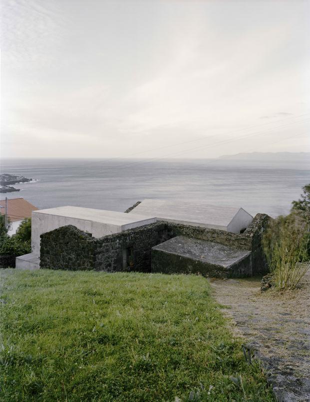 FAD-2015-CASA-EC-SAMI-ARQUITECTOS-Pico-Island-Azores-Portugal-Paulo-Catrica (17)