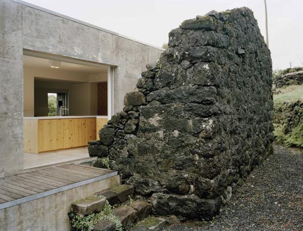 FAD-2015-CASA-EC-SAMI-ARQUITECTOS-Pico-Island-Azores-Portugal-Paulo-Catrica (20)