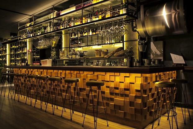 barra restaurante en barcelona Foxos de Lluria de Carlos Martínez Interiors