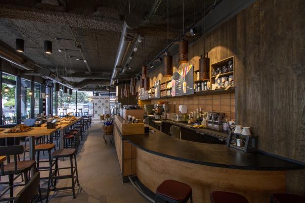 Starbucks madrid en la castellana diariodesign