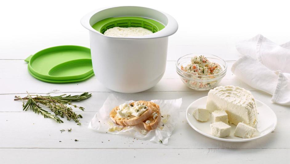 1 joanrojeski_cheesemaker_lekue