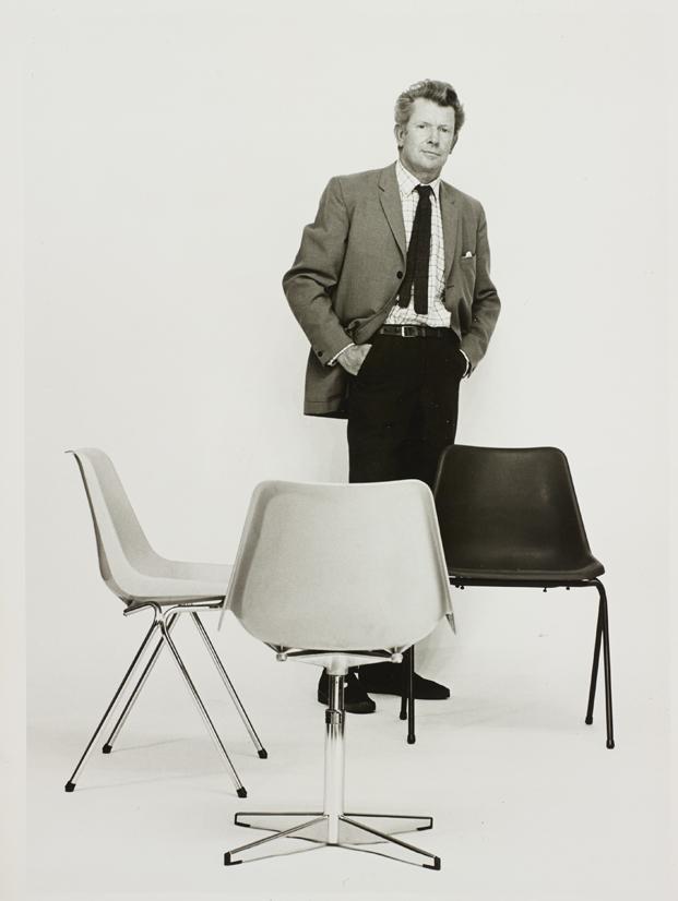 2 polypropylene chair robin day