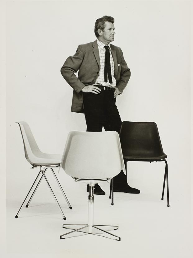 4 polypropylene chair robin day