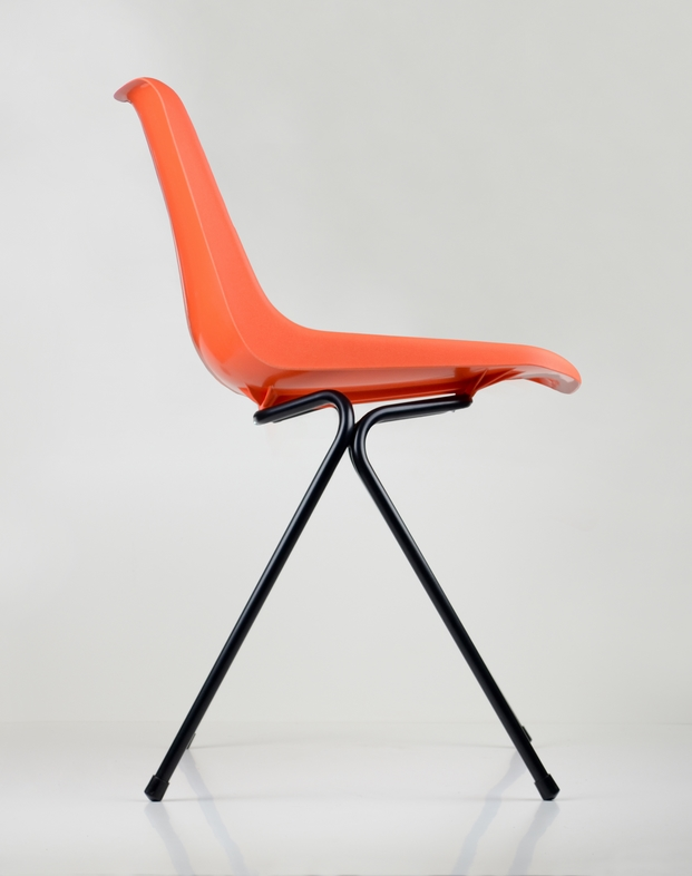 7 polypropylene chair robin day