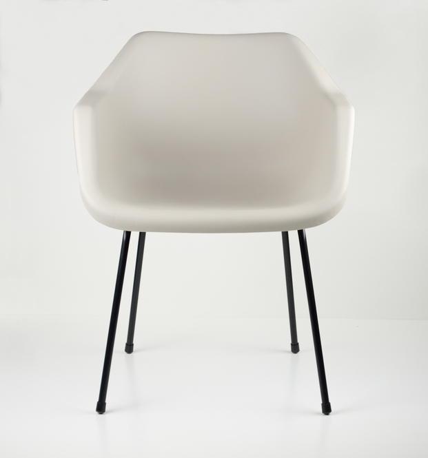 9 polypropylene chair robin day
