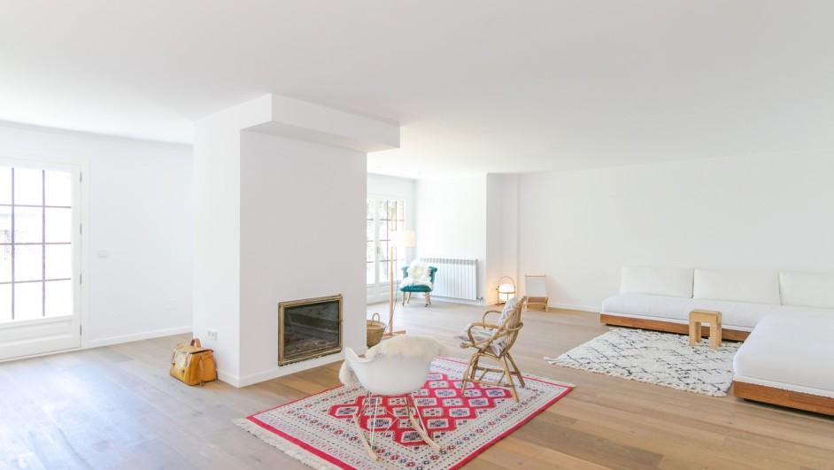 Casas interiores blancos for Casa minimalista interior blanco