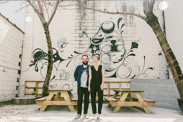 Hannah Dilworth y JD Gluckstern  propietarios de la tienda más hipster de NYC